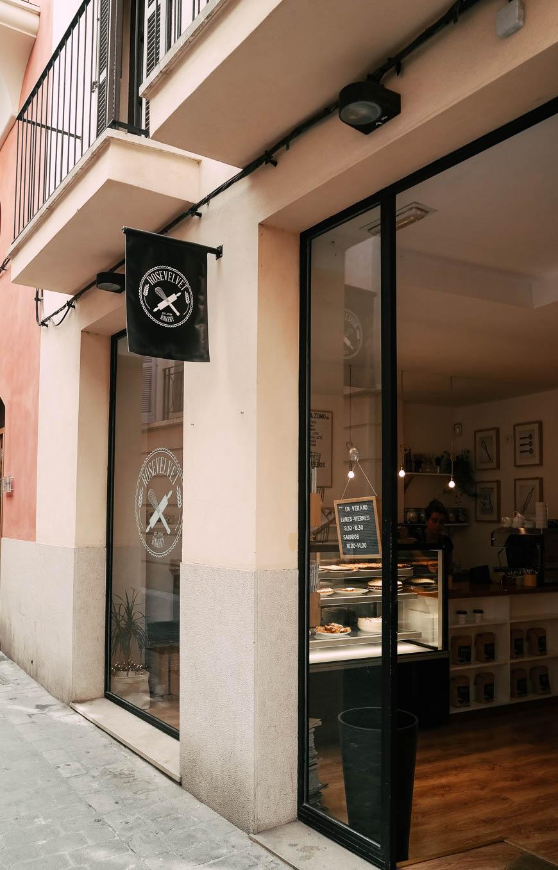 Wir haben die Roosevelt Bakery in Palma besucht. Leckere Kuchen und guter Kaffee.
